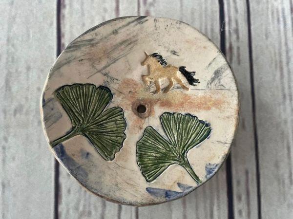 Seifenschale mit Töltermotiv aus Keramik