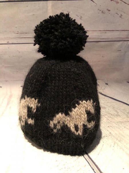 Strickmütze aus Islandwolle mit Bommel und Islandpferd